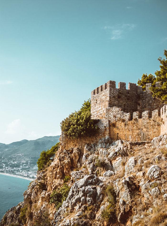 Utsiktsplatsen bjuder på en fin panoramavy över Alanyas kust